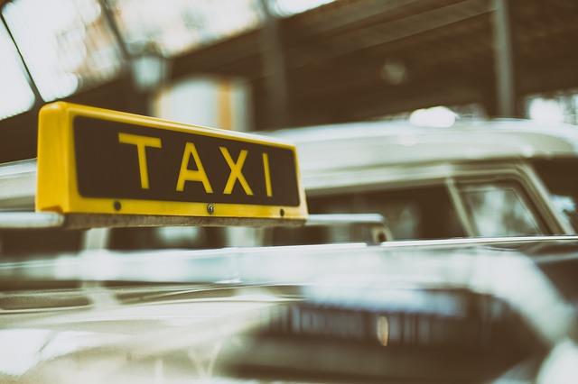אני נהג מונית ושללו לי את הרישיון – מה עושים?