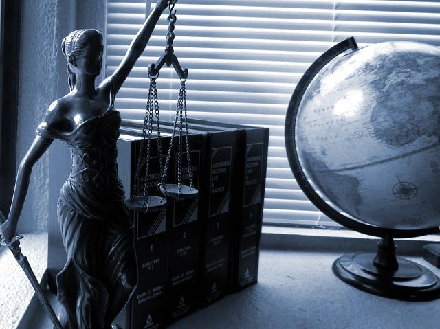 שיקולים בבחירת עורך דין פלילי