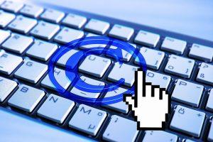 הפרת זכויות יוצרים באינטרנט