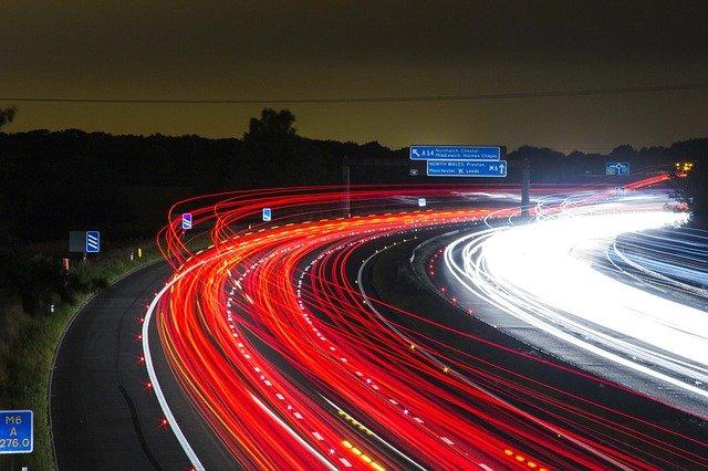 עורך דין נהיגה במהירות מופרזת